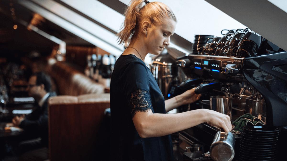 Contrôle automatique de machines à café et machines à sodas